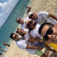familia costa caribe moñitos